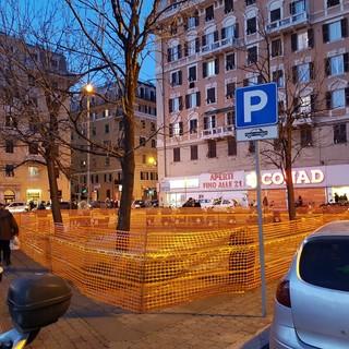 Marassi: piazza Carloforte si rifà il look coi gettoni risparmiati dai consiglieri municipali