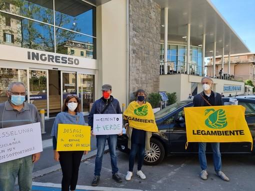 Albaro, nuovo presidio contro Esselunga: ecco le richieste dei residenti