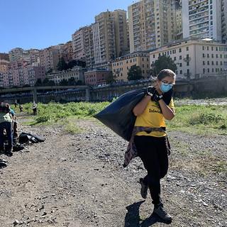 Al via la pulizia sul Bisagno e sulla spiaggia della Foce grazie al progetto 'Vogare' di Legambiente