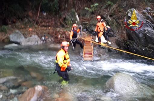 Voltri: donna cade in un fiume all'Acquasanta, soccorsa