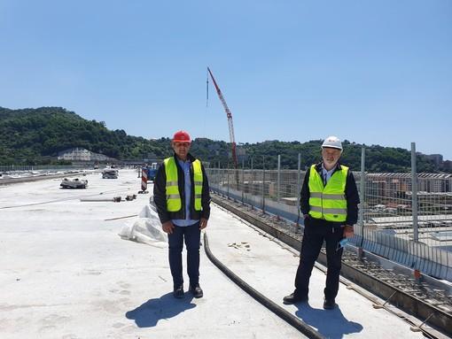 """Ponte di Genova, Toti: """"Una grande emozione e un momento storico camminare per la prima volta sul ponte"""" [FOTO]"""