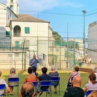 Affollata assemblea in via Caldesi per parlare dei problemi di Pegli Lido