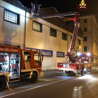 Voltri: tromba d'aria scoperchia tetto, intervengono i pompieri