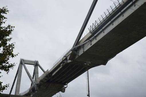 Crollo ponte Morandi: polizia giudiziaria indaga. Nulla osta ai funerali