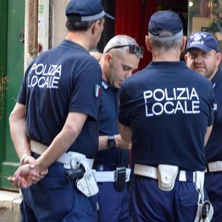 Fermato in via Merano su uno scooter rubato, pluripregiudicato denunciato per ricettazione