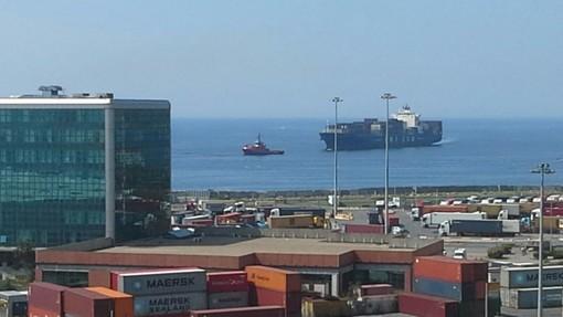 Incidente fra navi al largo di Genova, molto combustibile in mare