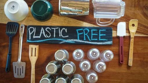 Unicef lancia la raccolta firme per una Liguria Plastic free