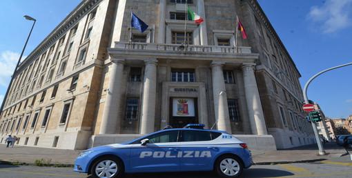 Donna arrestata per il furto di un Rolex e denunciata per rapina