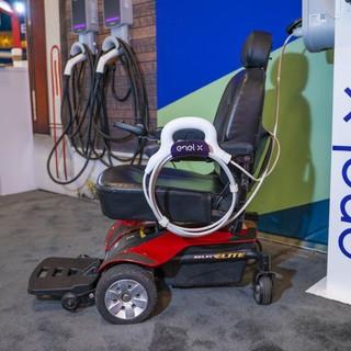 Sedie a rotelle elettriche: arriva a Genova la ricarica JuiceAbility