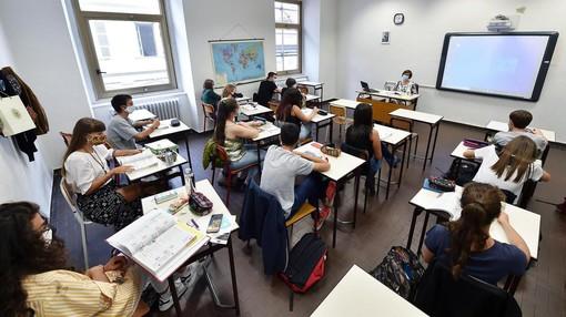Rientro in classe per elementari e medie: individuati i laboratori per l'analisi dei test salivari