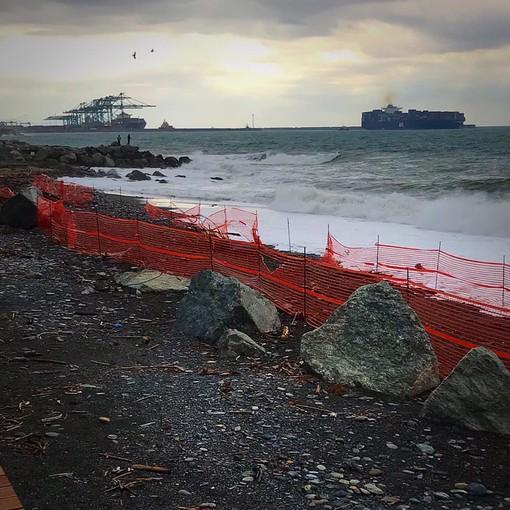 Voltri, il mare non perdona: cantiere sottosopra. Ma non si doveva finire a giugno?