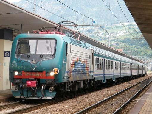 Ripresa la circolazione dei treni fra Genova Sestri Ponente e Pegli, le immagini dell'intervento alla rete gas