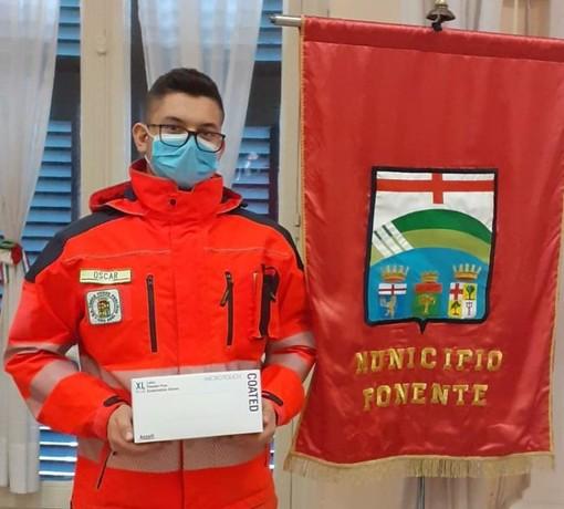 Il Municipio VII Ponente dona tute protettive e guanti al personale delle pubbliche assistenze (FOTO)