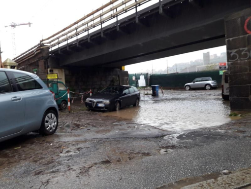 Tracimazione dello scolmatore del Rio Pellegrini: danni di allagamento nella sacrestia e più di un metro d'acqua nei locali [FOTO]