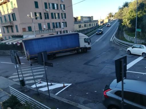 Multedo, il Municipio prende di petto il caso di via dei Reggio