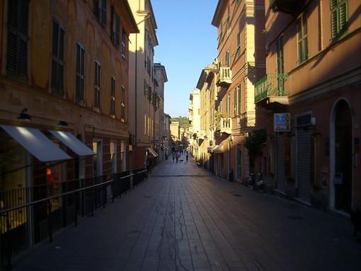 Italia Viva denuncia il preoccupante degrado della pavimentazione in via Sestri