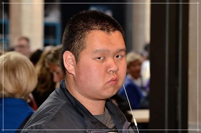 Ye Meike, il giovane cinese italiano che vuole unire le due culture: fa il blogger, scrive poesie, ma il suo sogno è diventare giornalista