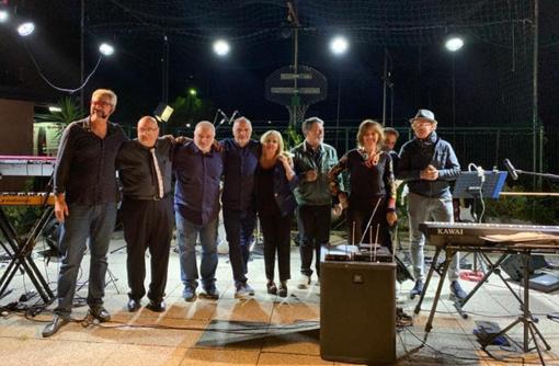 Anche a distanza si può: concerto dei Zena Singers per aiutare l'Aism