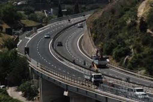Traffico: sulla A7 Serravalle-Genova chiusura tratto Ronco Scrivia-Busalla