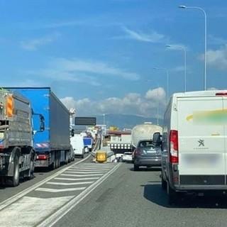 """Caos autostrade, bordate del presidente Toti contro il ministro De Micheli: """"Neppure una riga per rispondere alle nostre richieste"""""""