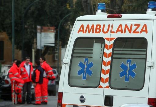 Rapallo: cade dal secondo piano, 30enne in codice rosso al San Martino
