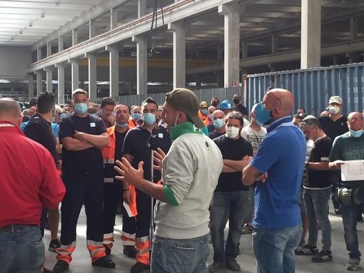 """ArcelorMittal, assemblea in azienda dopo accordo su cassa integrazione. Vella (Fim Cisl): """"Da Roma ci aspettiamo certezze, basta rinvii"""""""