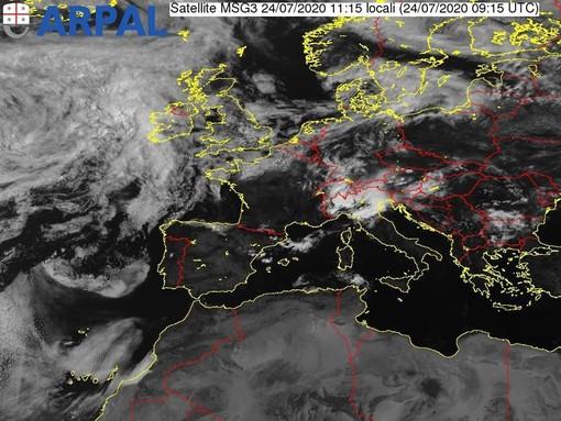 Maltempo in Liguria: prolungata l'allerta gialla per temporali