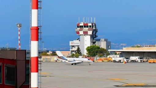 Nasce 'Genova Airlink', nuovo servizio integrato Trenitalia-AMT che collega l'Aeroporto di Genova con le ferrovie