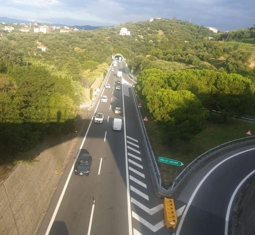 A10 Genova-Savona: doppio senso di marcia e nessuna protezione all'altezza di Celle (FOTO)