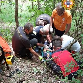 Ciclista soccorsa a Trensasco: per la sportiva una caduta trauma alla spalla e al torace