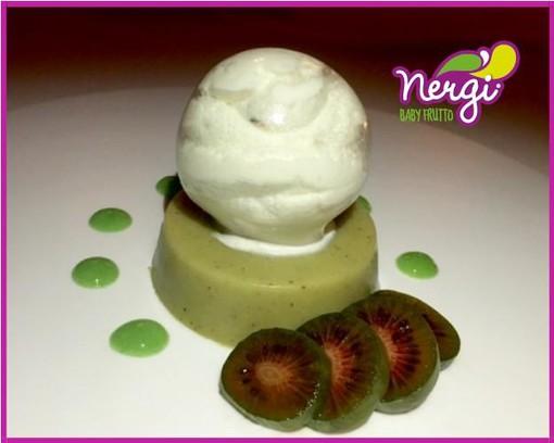 Mercoledì Veg: bavarese di Nergi, sfera d'isomalto con panna montata e Nergi fresco, crema dolce di asparagi