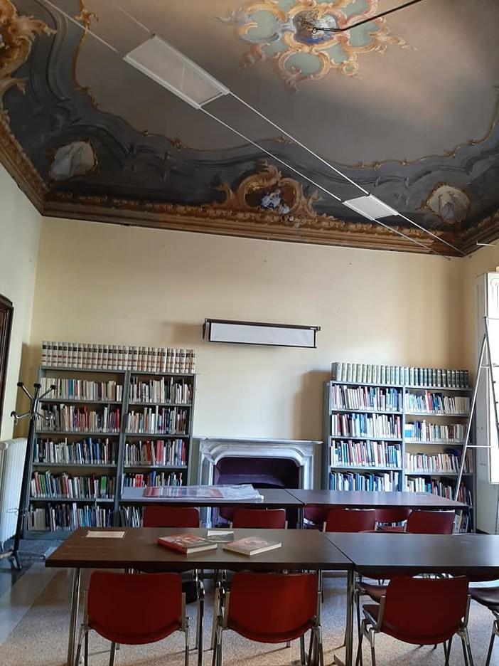 Nuovi orari alla biblioteca Brocchi di Nervi, possibile anche chiedere lo Spid