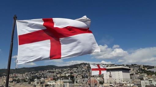 Due nuove bandiere sventolano sulle torri di Porta Soprana (FOTO)
