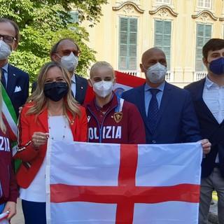 Olimpiade Tokyo: consegnata ad una delegazione di atleti genovesi a Palazzo Tursi la bandiera di San Giorgio