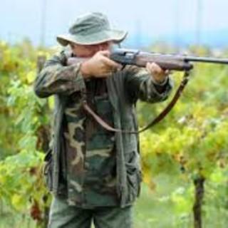 Cacciatore spara al cinghiale, che lo carica, morto 74enne di Arenzano
