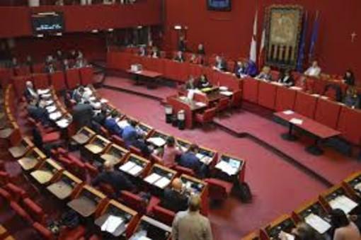 In fretta e furia il Comune sfratta la biblioteca De Amicis: meno spazi di socialità nel centro e il Municipio subisce in silenzio