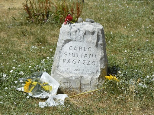 Ancora attacchi in Comune al cippo che ricorda Carlo Giuliani, ma il monumento non si muoverà