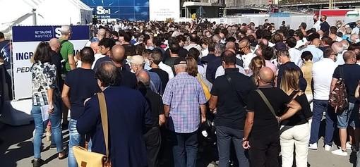 Salone Nautico, lunghe code all'ingresso, migliaia di visitatori hanno preso d'assalto la fiera
