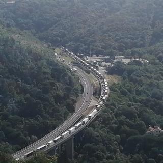Incidente sulla A10 tra Savona e Albisola: coinvolte due auto e una moto. E' di nuovo incubo autostrada