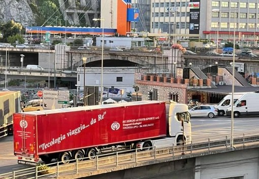 Traffico dei mezzi pesanti ai varchi portuali, ecco le soluzioni per decongestionarlo