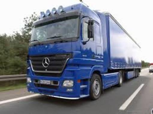 Trasporti: camionisti in sciopero per 48 ore