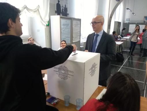 Studenti a lezione di democrazia con il progetto 'Scuola lavoro servizio elettorale'