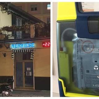 La pubblica assistenza nerviese dona il defibrillatore al quartiere