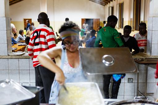 """Cibo e solidarietà, il 22 e 23 settembre arriva in Liguria l'evento solidale """"Un pasto al giorno"""": volontari in regione"""