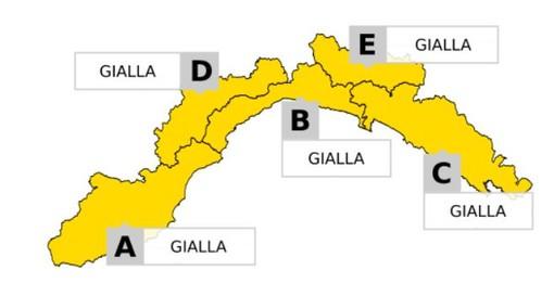 """La perturbazione cambia la sua """"rotta"""": allerta meteo gialla prolungata su tutta la regione"""