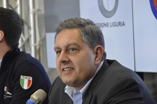 """Toti e lo strappo: """"Epoca finita"""". Berlusconi: """"Ma se l'ho nominato io"""""""