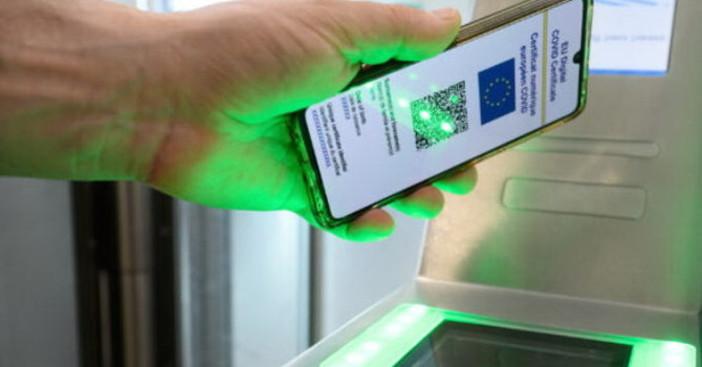 Green pass, domani l'obbligo per milioni di italiani, tra le preoccupazioni degli esercenti alla vigilia