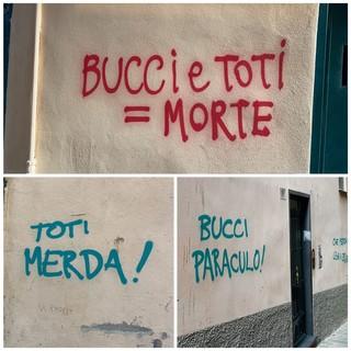 """Insulti sui muri del Centro Storico a Genova verso Toti e Bucci: """"Offeso il decoro della città"""""""