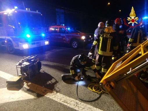 Grave incidente sul lavoro nei pressi del casello autostradale di Ovada: operaio muore schiacciato da un carrello (FOTO)