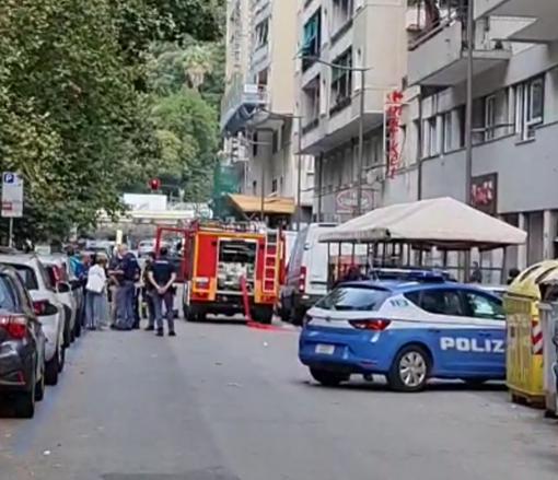 Paura a Genova: incendio divampa in un appartamento di via Cecchi (VIDEO)